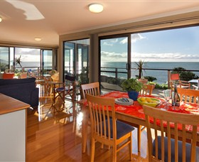 Boat Harbour Beach House - The Waterfront - Townsville Tourism