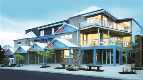 The Island Accommodation - Phillip Island YHA - Townsville Tourism