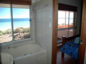 Ceduna Shelly Beach Caravan Park and Beachfront Villas - Townsville Tourism