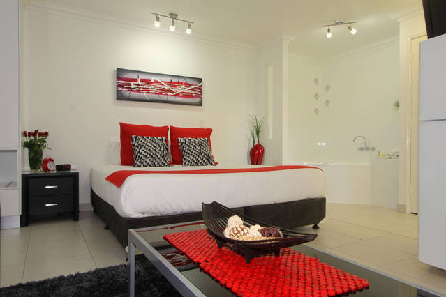 Charm City Motel - Townsville Tourism
