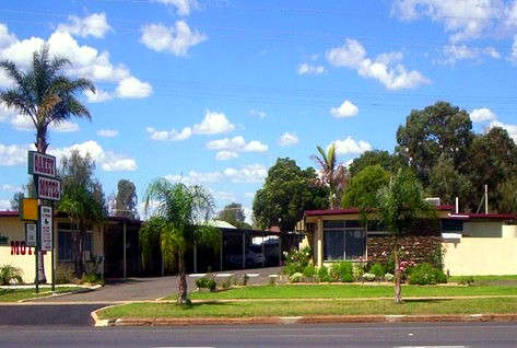 Oakey Motel - Townsville Tourism