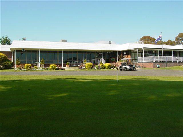 Tenterfield Golf Club and Fairways Lodge - Townsville Tourism