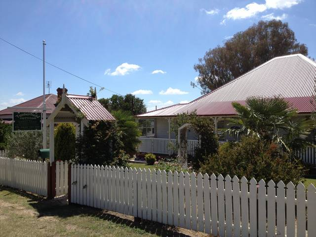 Tenterfield Luxury Historic c1895 Cottage - Townsville Tourism