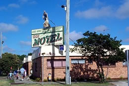 Jackie Howe Motel - Townsville Tourism