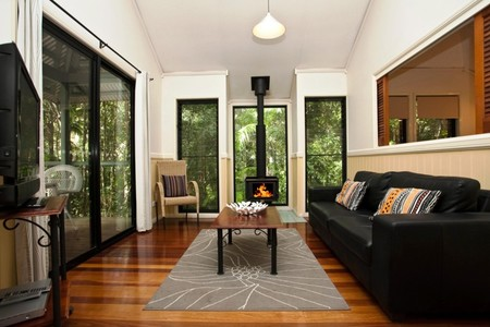 Cedar Creek Lodges - Townsville Tourism