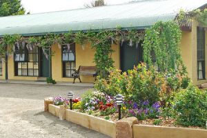 Omeo Motel - Townsville Tourism