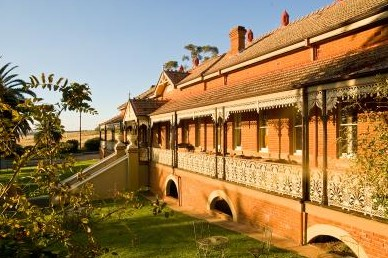 Hermitage Hill Resort And Conference Centre - Townsville Tourism