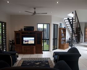 Dolphin Beach House - Townsville Tourism