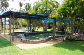 Balgal Beach Holiday Units - Townsville Tourism