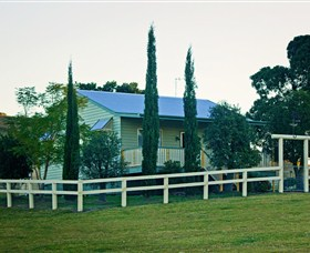 Milford Country Cottages - Townsville Tourism