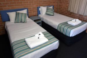 The Oaks Hotel Motel  - Townsville Tourism