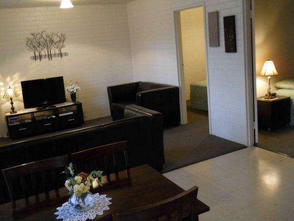 BJs Short Stay Apartments - Townsville Tourism