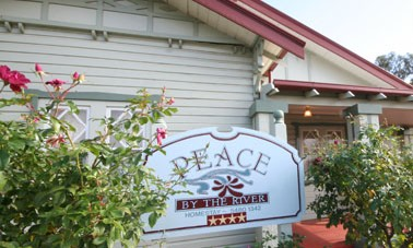 Peace By The River Homestay - Townsville Tourism