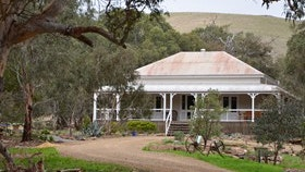 Brooklyn Farm Bed and Breakfast - Townsville Tourism