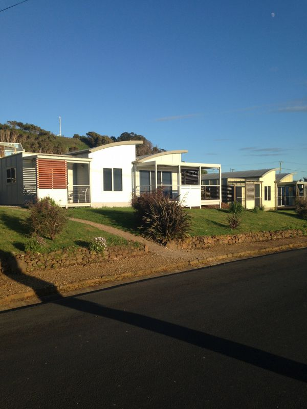 Azzure Beach Houses - Townsville Tourism