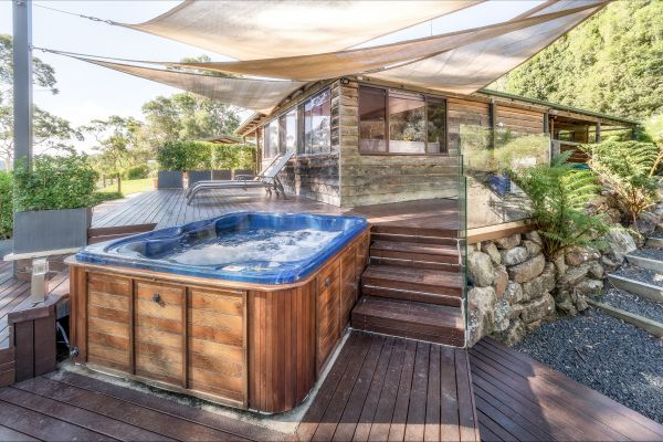 Coach House Hill Cottage - Townsville Tourism