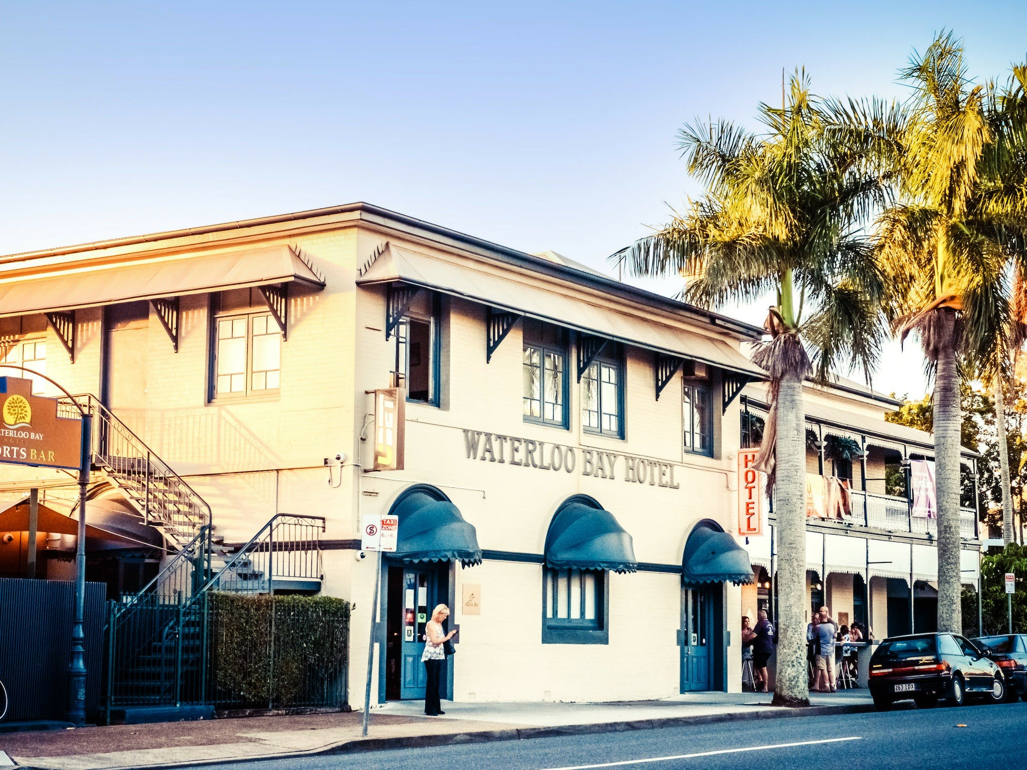 The Waterloo Bay Hotel - Townsville Tourism