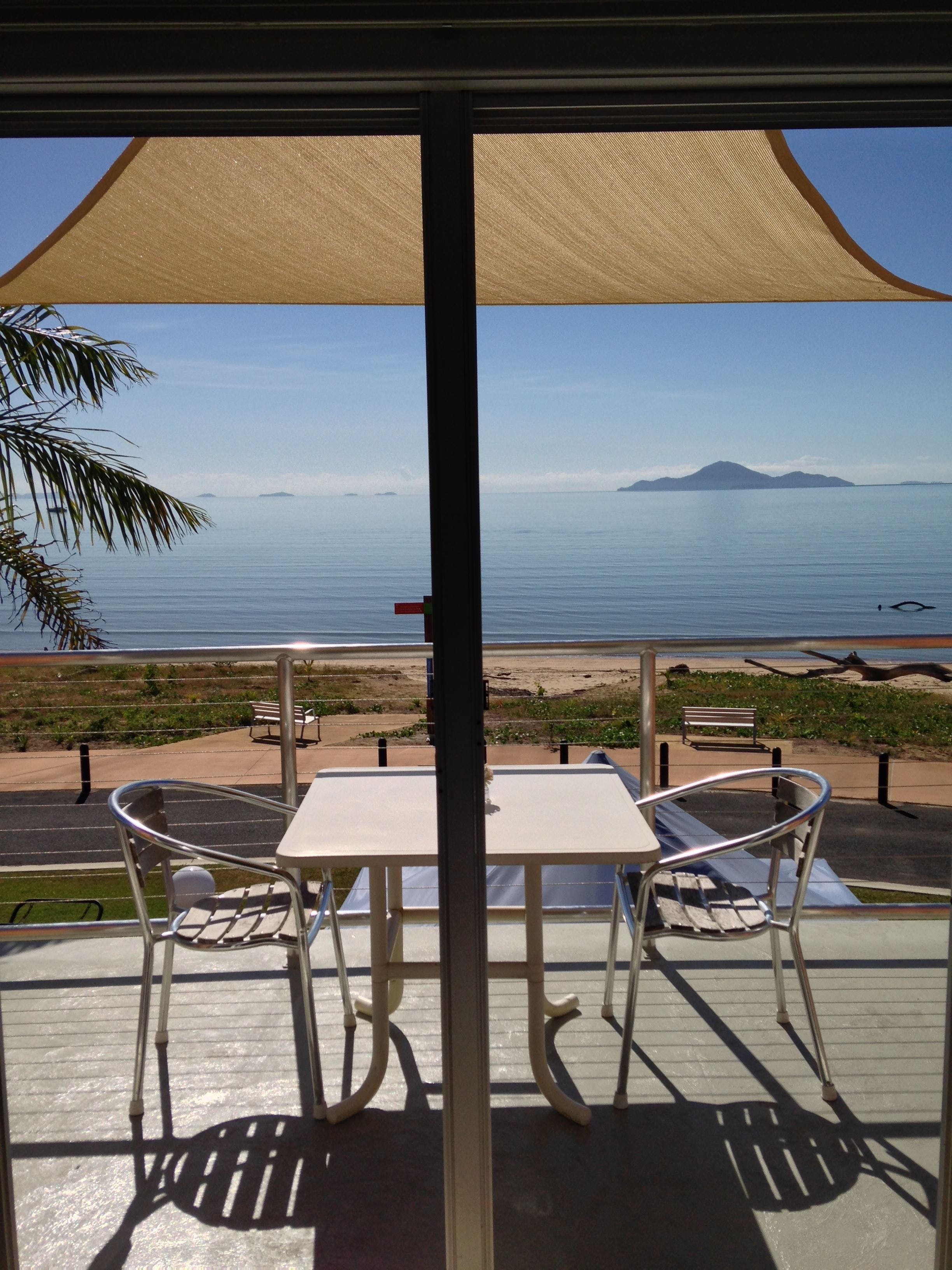Cardwell Beachfront Motel - Townsville Tourism