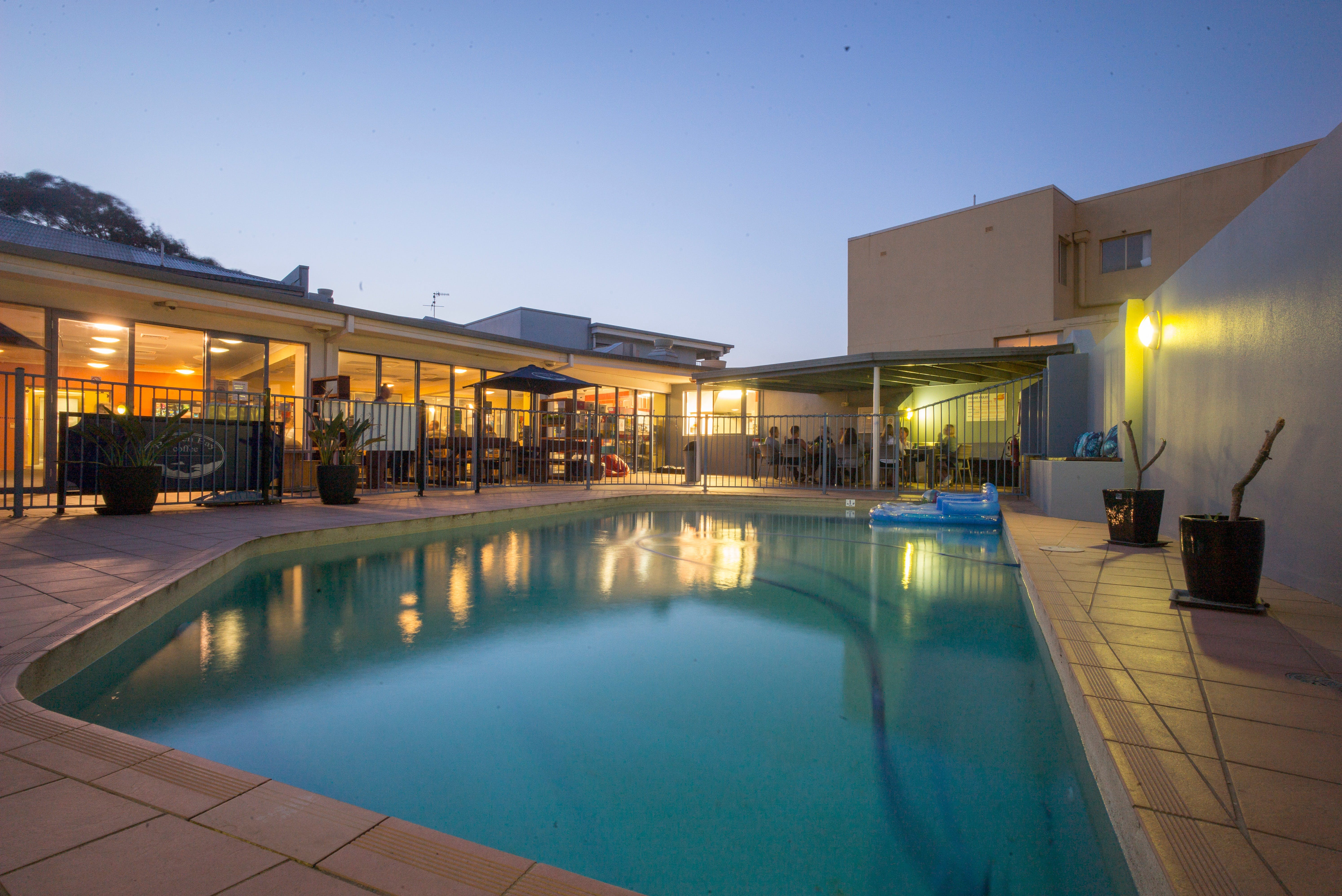 Sydney Beachouse YHA - Collaroy - Townsville Tourism