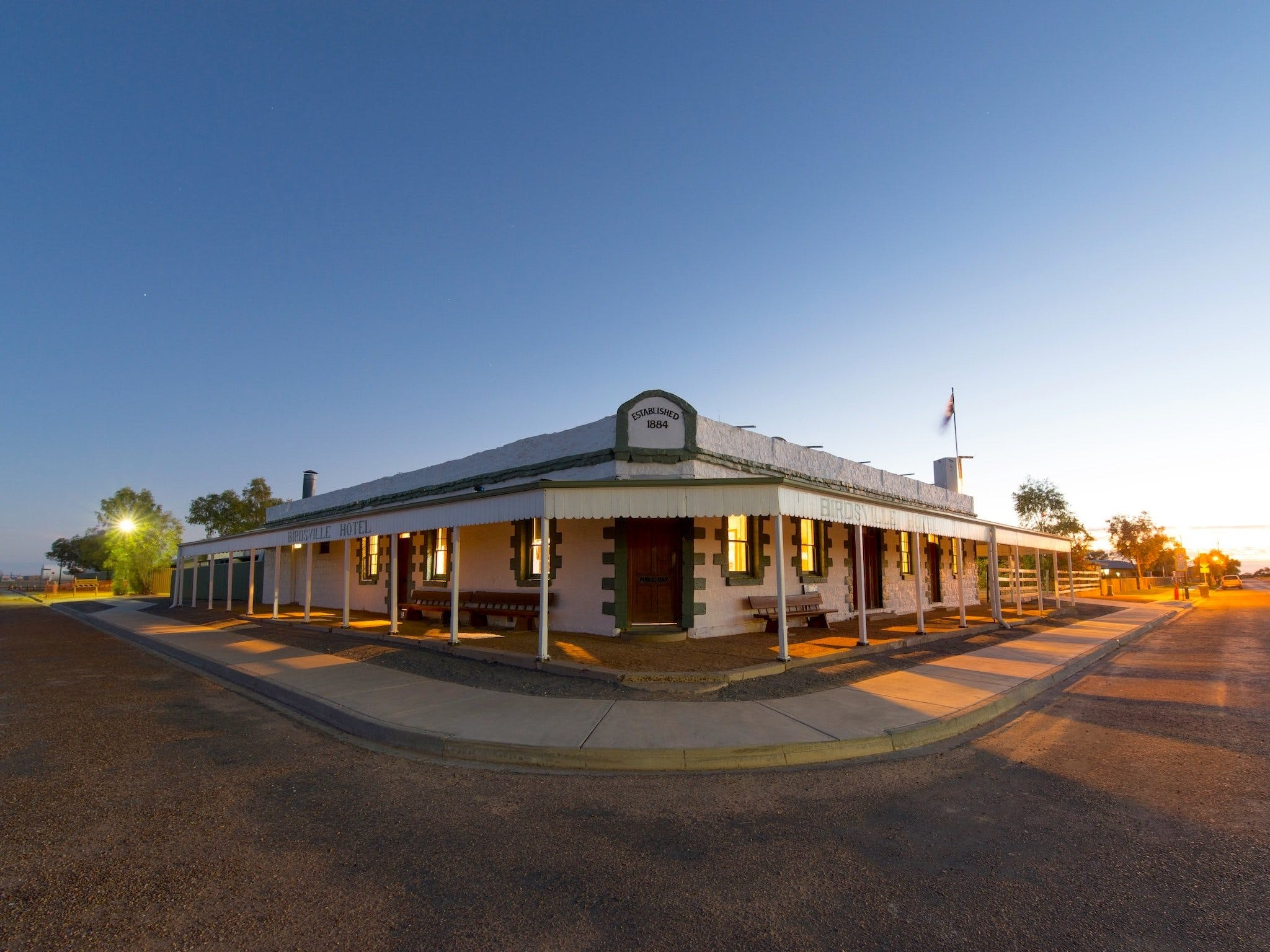 The Birdsville Hotel - Townsville Tourism