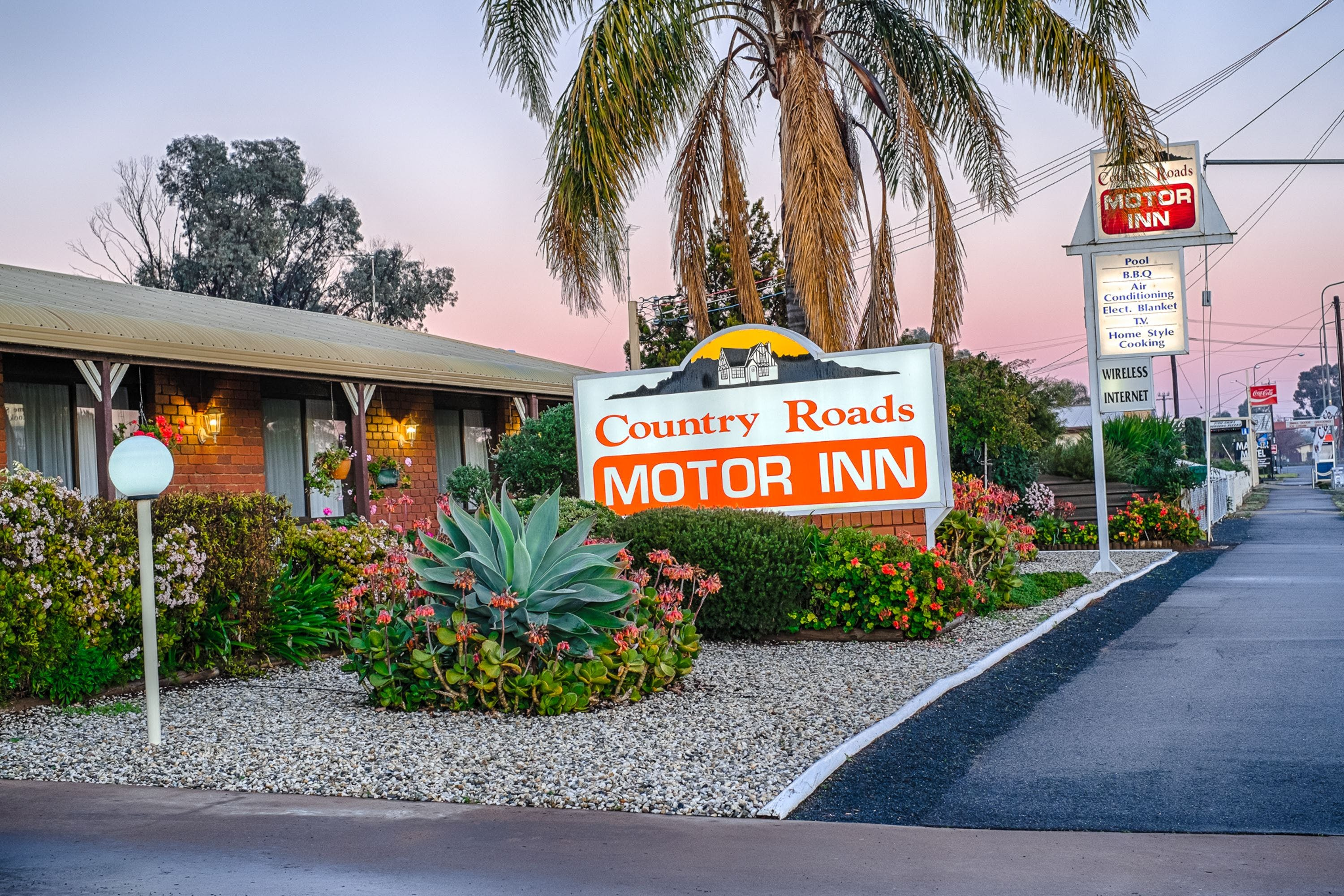 Country Roads Motor Inn - Townsville Tourism