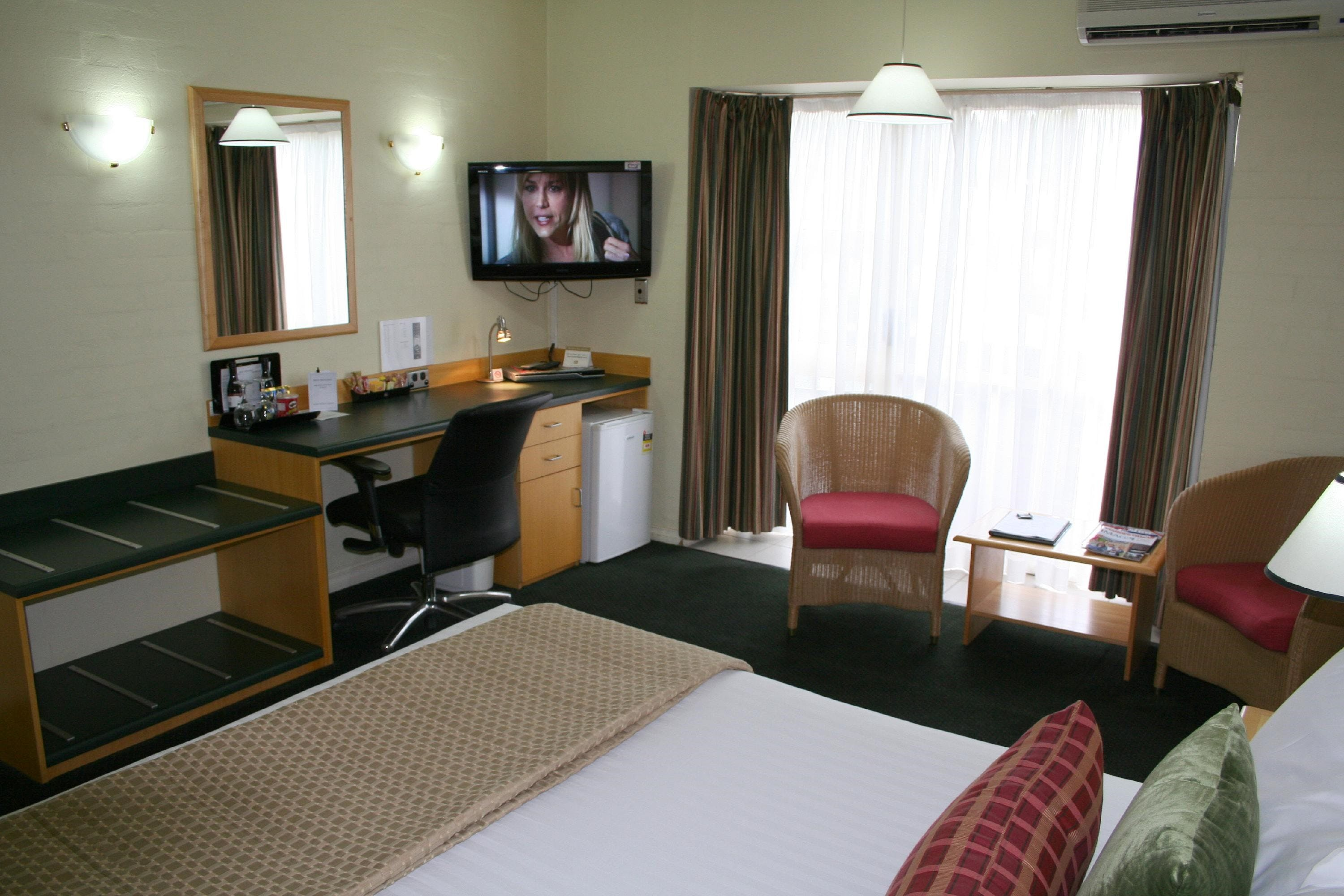 Grand Country Lodge - Townsville Tourism