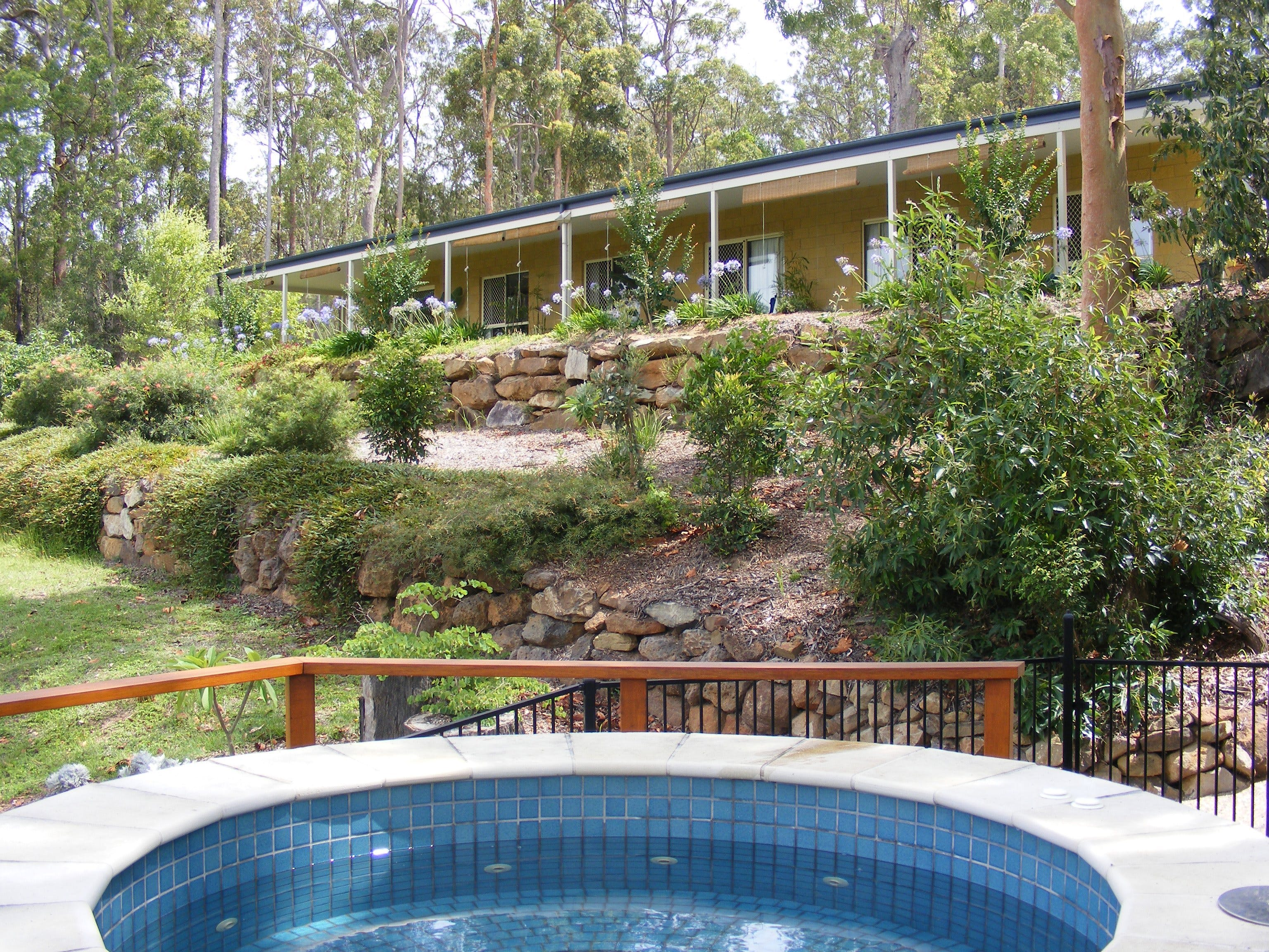 Bed and Breakfast at Wallaby Ridge - Townsville Tourism