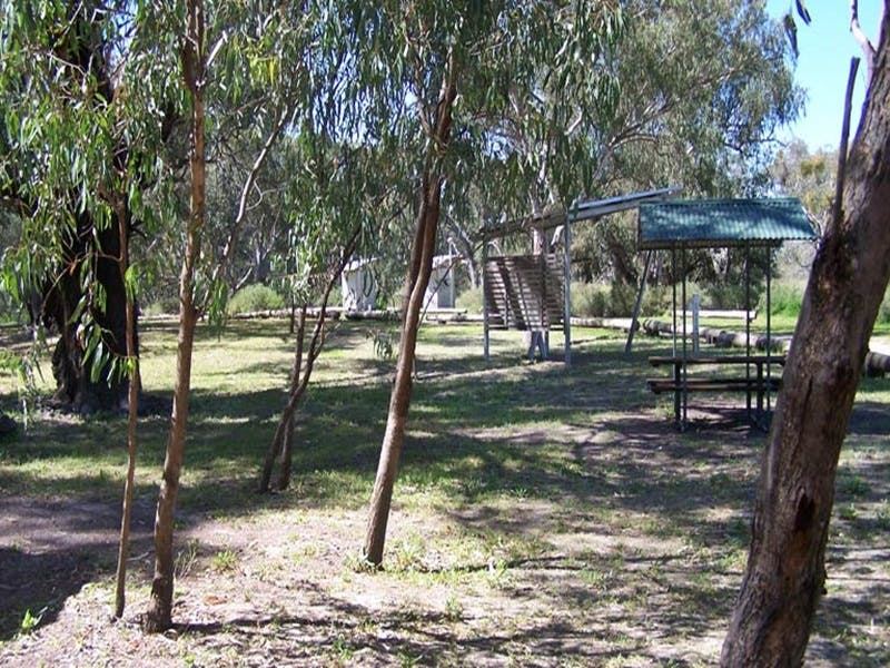 Coach and Horses campground - Townsville Tourism