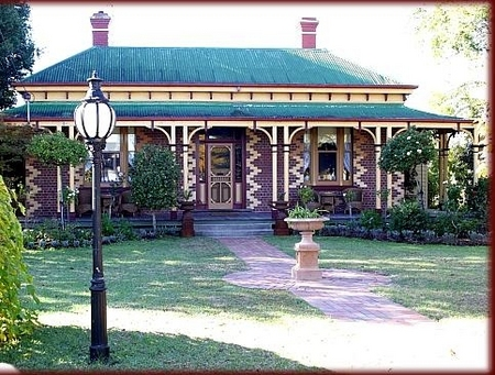 Tara House Bed and Breakfast - Townsville Tourism