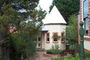 Braeside Garden Cottages - Townsville Tourism