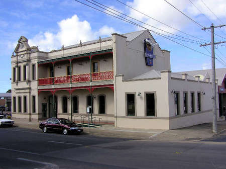 Mitchell River Tavern - Townsville Tourism