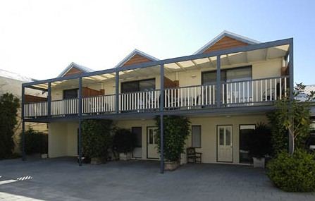 Freo Mews Executive Apartments - Townsville Tourism