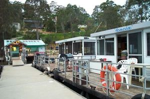 Clyde River Houseboats - Townsville Tourism