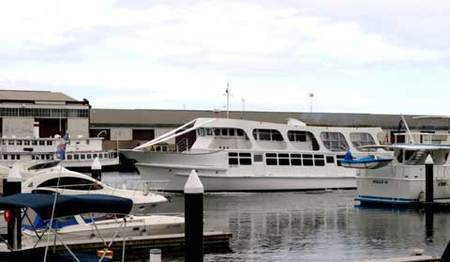 Pleasure Boat Cruises And Boat Charters - Townsville Tourism