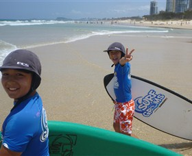 Broadbeach Surf School - Townsville Tourism