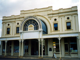 Stock Exchange Arcade and Assay Mining Museum - Townsville Tourism