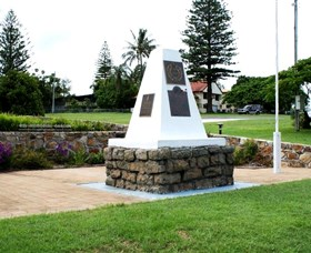 Dunwich War Memorial - Townsville Tourism