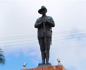 Charters Towers Memorial Cenotaph - Townsville Tourism