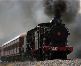 Lachlan Valley Railway - Townsville Tourism