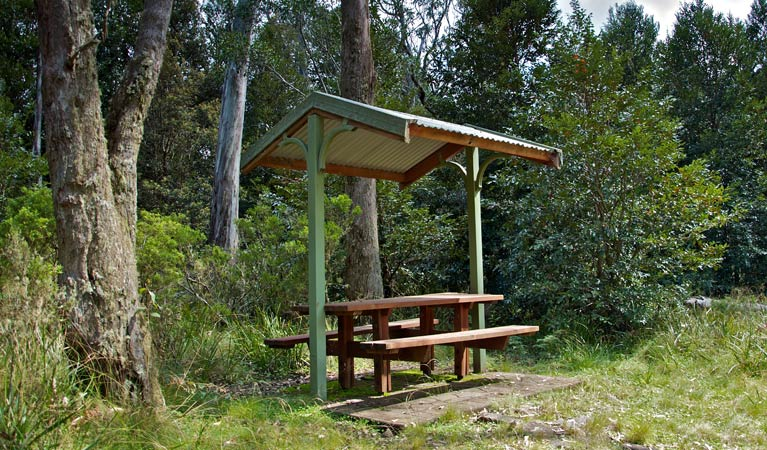 Devils Hole lookout walk and picnic area - Townsville Tourism