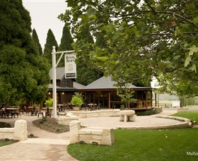 Bendooley Estate Book Barn - Townsville Tourism