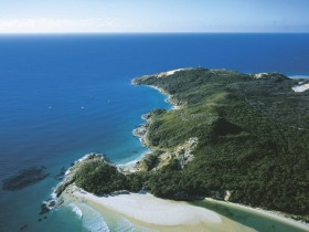 Moreton Island National Park - Townsville Tourism