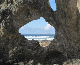 Glasshouse Rocks and Pillow Lava - Townsville Tourism