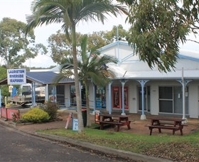 Laurieton Riverside Seafoods - Townsville Tourism