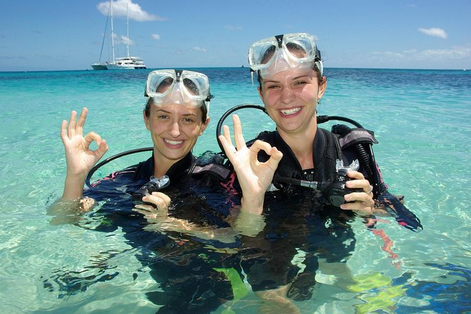Ocean Spirit Michaelmas Cay Dive and Snorkel Cruise from Palm Cove - Townsville Tourism