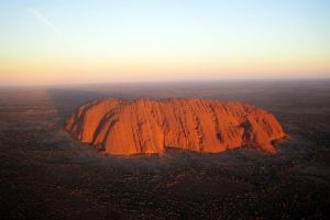 Fixed-Wing Scenic Flight from Uluru Ayers Rock - Townsville Tourism