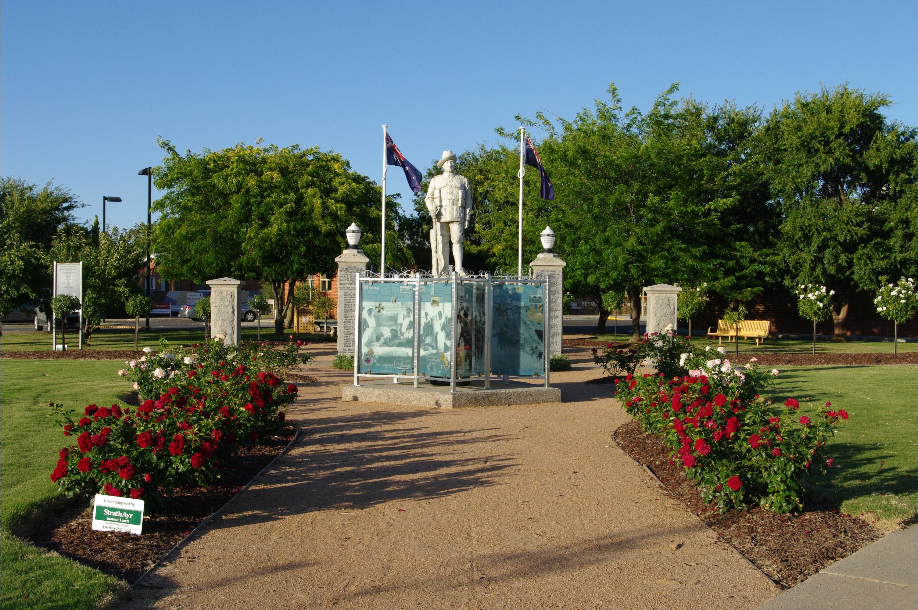 WW1 Memorial Park - Townsville Tourism