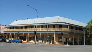 Colac Hotel - Townsville Tourism