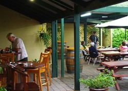 Bird In Hand Inn - Townsville Tourism