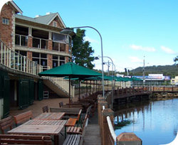 The Woodport Inn - Townsville Tourism